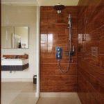 Kamienna zabudowa kabiny prysznicowej